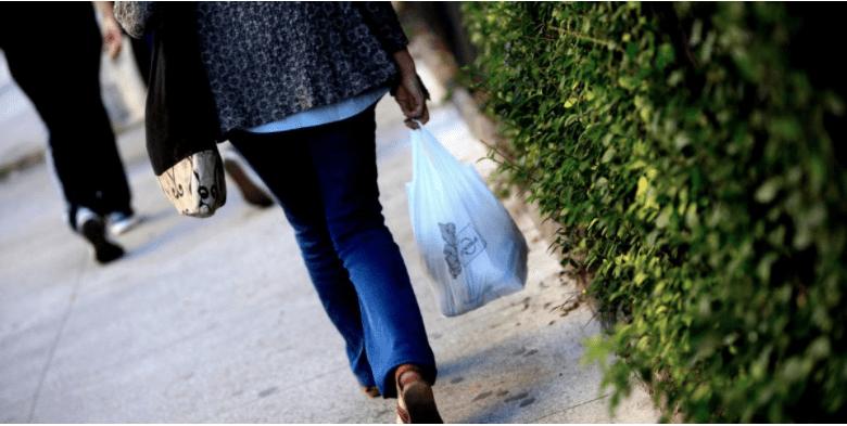 Los datos que sustentan la «guerra» contra las bolsas plásticas en el mar