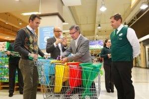Supermercados Jumbo y la Municipalidad de Las Condes incentivan a disminuir el consumo de bolsas plásticas